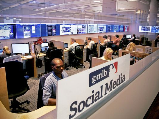 1378496800000-MLB-social-media